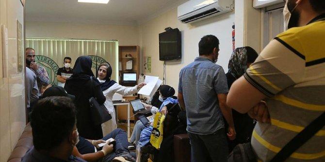 İran'da Kovid-19 hastalarının yaklaşık dörtte biri ölüm riski taşıyor