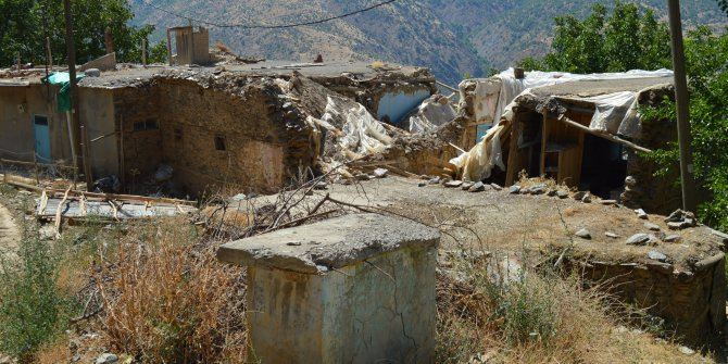 Depremin yıktığı Çevrimtaş köyünde hayat normale dönüyor