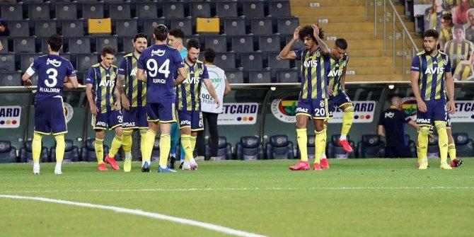 Fenerbahçe savunmada düzen kuramadı