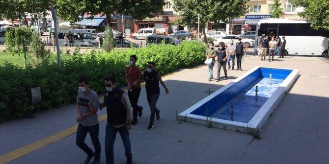 Kırşehir merkezli operasyonda gözaltına alınan şüpheliler adliyeye sevk edildi