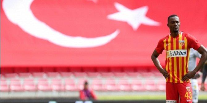 Galatasaray'da hedef Mensah