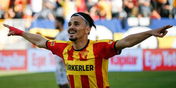 Antalyaspor Serdar Gürler'in bonservisini aldı!