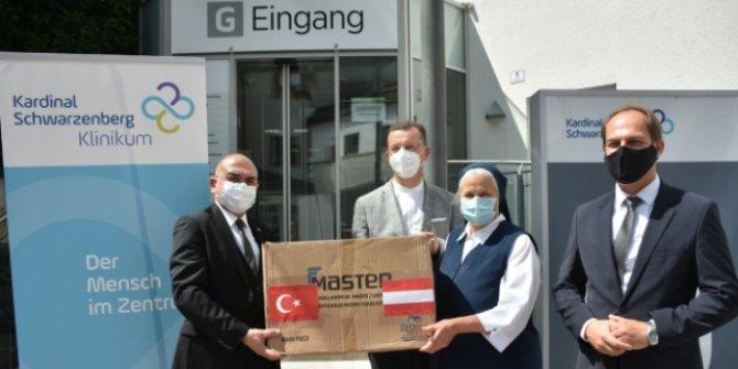 Türkiye'den Avusturya'ya maske yardımı