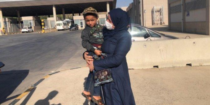 3 yaşındaki Suriyeli Ahmed annesine kavuştu