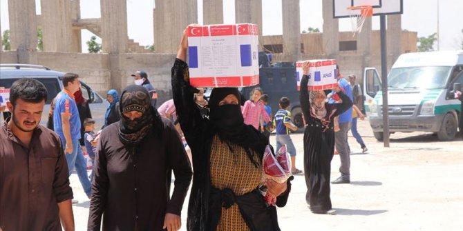 Tel Abyad'da ihtiyaç sahiplerine insani yardım dağıtıldı