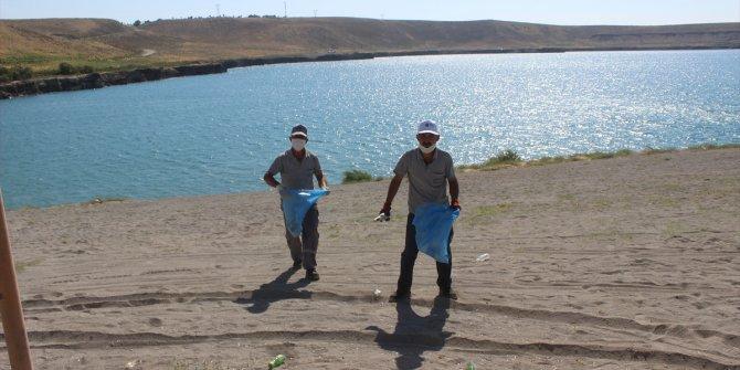 Karapınar'daki Acıgöl çevresinde temizlik yapıldı