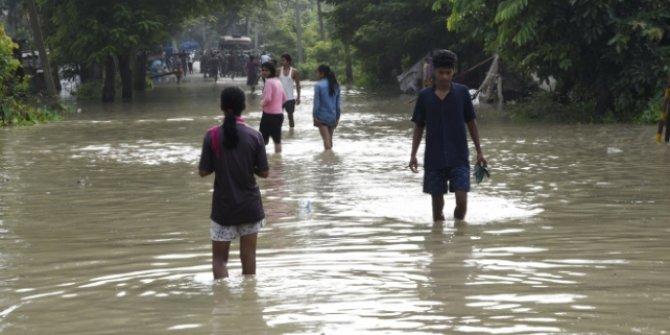 Hindistan'daki sel felaketinde can kaybı 144'e yükseldi