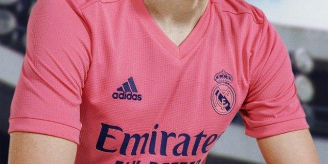 Real Madrid formalarını tanıttı