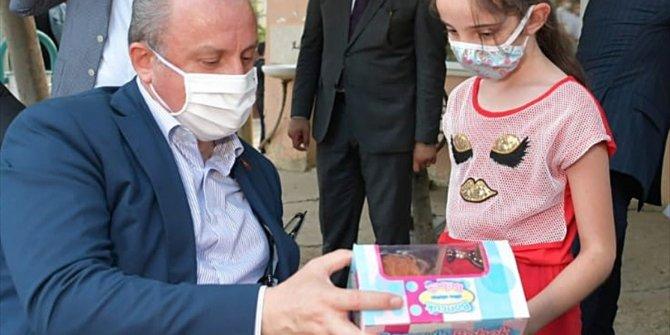 TBMM Başkanı Şentop'dan çocuklara bayram hediyesi