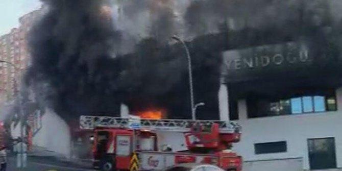 Başakşehir'de sitede korkutan yangın!