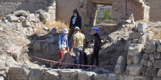 Tyana Antik kentinde kazılara devam ediliyor