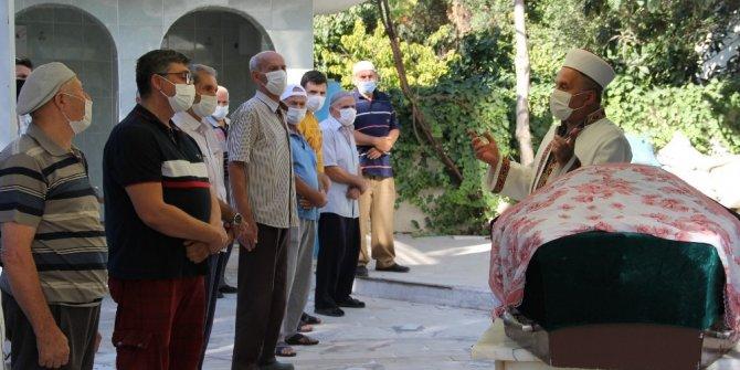 Eski eşi tarafından boğularak öldürülen kadın son yolculuğuna uğurlandı