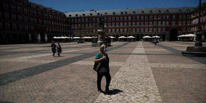 İspanya'da Kovid-19 vakalarında artış devam ediyor