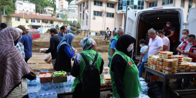 İHH İnsani Yardım Vakfı'ndan Giresun'da yardım çalışmaları