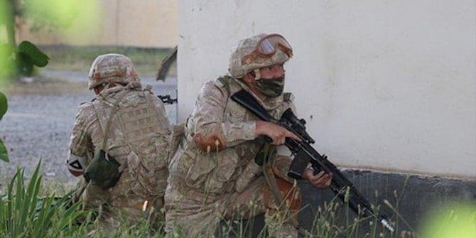 Tacikistan'daki Rus askeri üssünde tatbikat