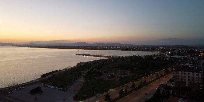 Su seviyesi düşen Beyşehir Gölü'nden su salımının durdurulması istendi