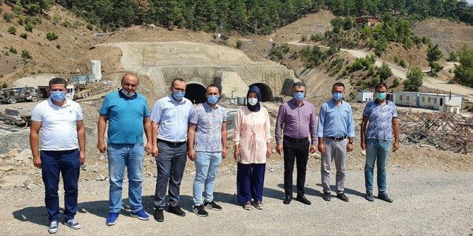 AK Parti Konya Milletvekili Samancı, yapımı süren yeni Konya-Antalya yolunda incelemede bulundu