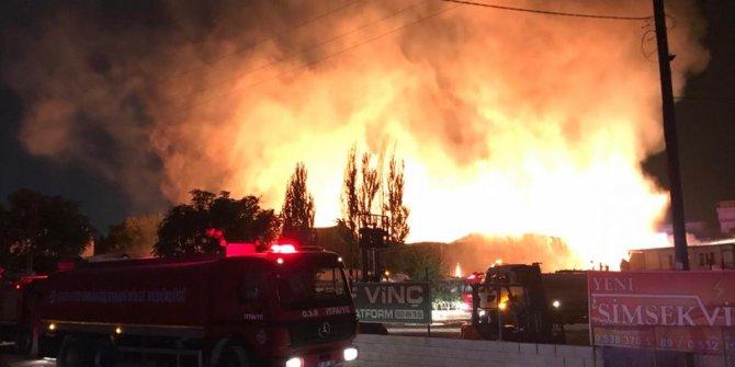 Gaziantep'teki fabrika yangınına müdahale sürüyor