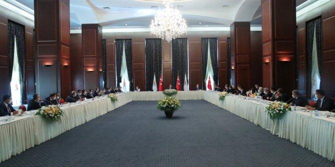 Cumhurbaşkanı Erdoğan AK Parti'ye yeni katılan 31 belediye başkanı ile görüştü