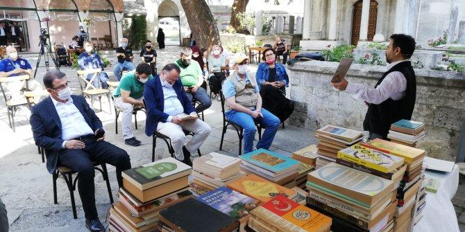 Tarihi kitaplar, müzayedede alıcı buldu