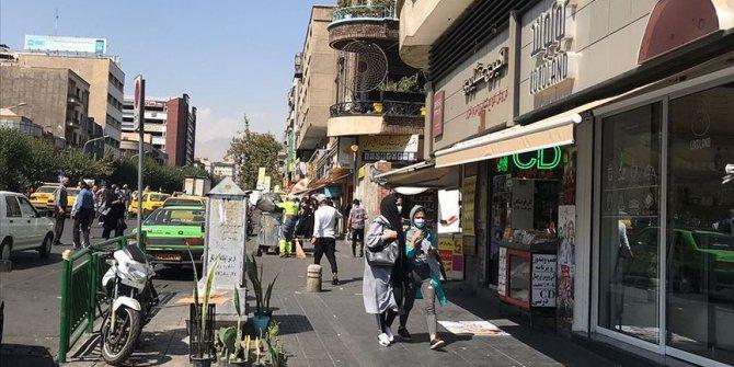 İran'da son 24 saatte 128 kişi Kovid-19'dan hayatını kaybetti