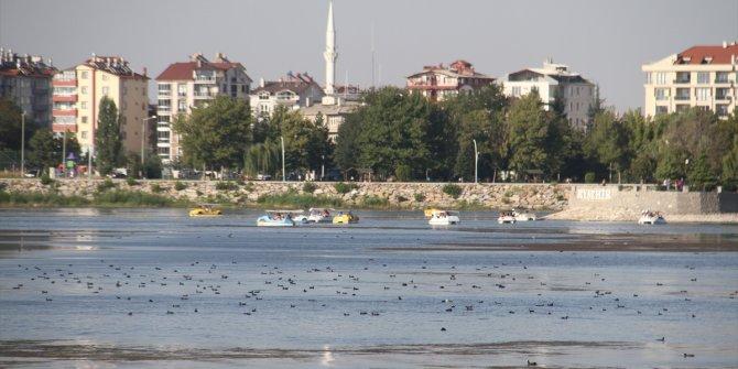 Beyşehir Gölü'nde su seviyesi düştü, regülatör kapakları kapatıldı