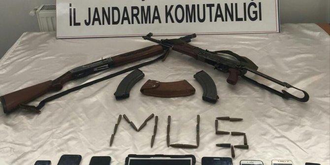 Muş'ta PKK/KCK iş birlikçilerine operasyon: 9 gözaltı
