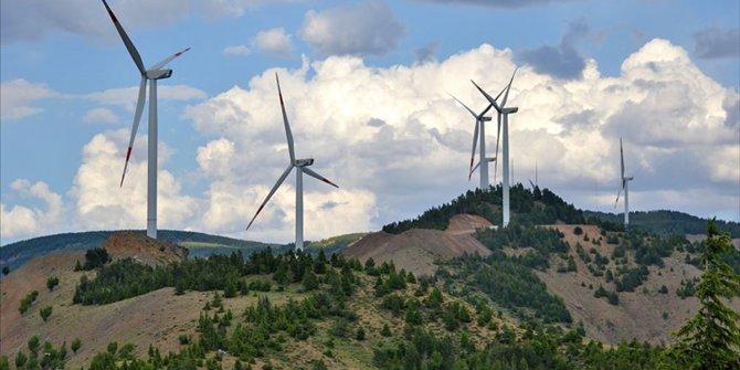 Rüzgar enerjisinde önlisans başvuruları ertelendi