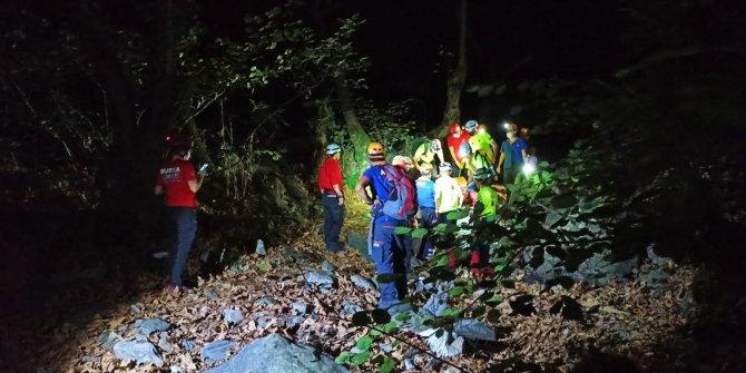 Yürüyüş için çıktığı dağdan dereye düşen kişiyi ekipler kurtardı