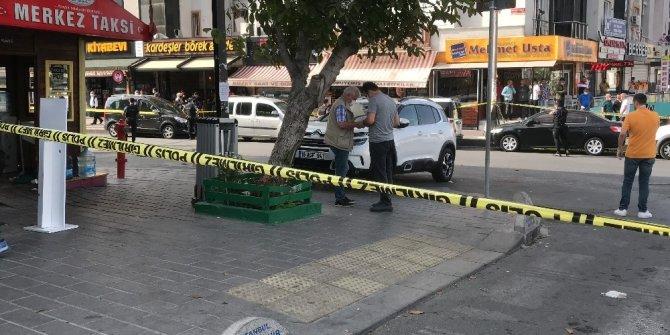Taksi durağı önünde silahlı kavga 3 ölü, 4 yaralı