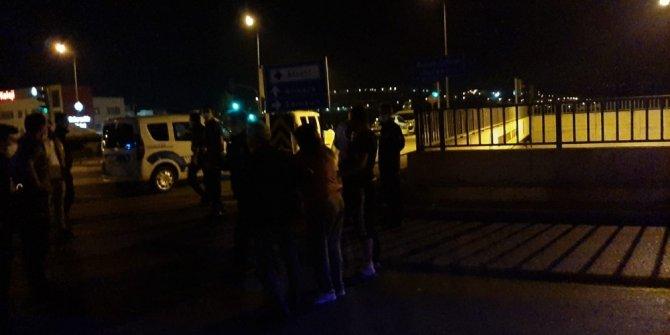İntihara kalkışan genç kadını polis ikna etmek için dakikalarca uğraştı