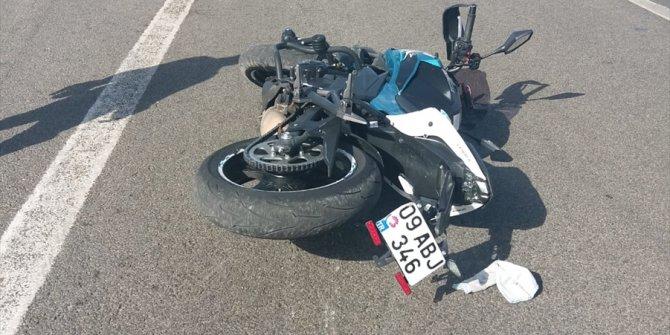 Aydın'da bariyerlere  çarpan motosikletli öldü