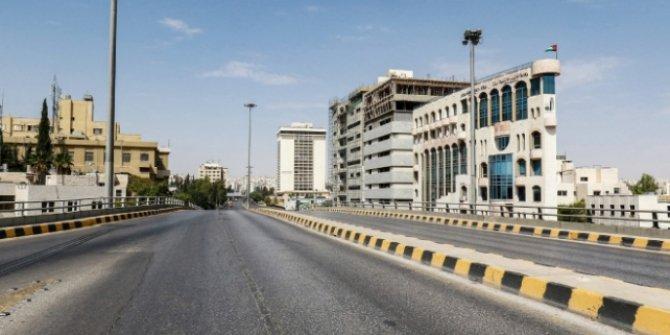 Ürdün'de yıl sonuna kadar cuma günleri sokağa çıkmak yasaklandı