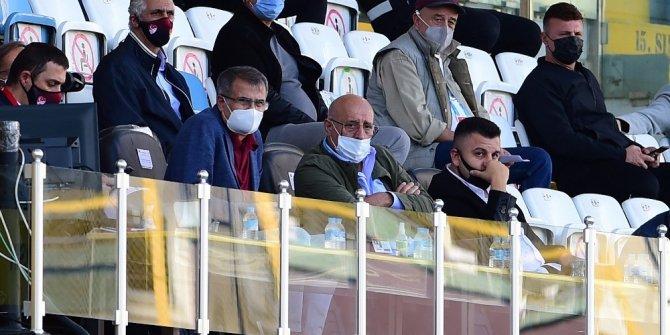 Şenol Güneş, İstanbulspor ile Akhisarspor maçını izledi