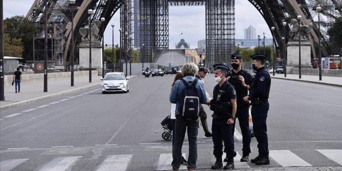Fransız milletvekili Autain: Bu ülke aklını mi yitirdi?