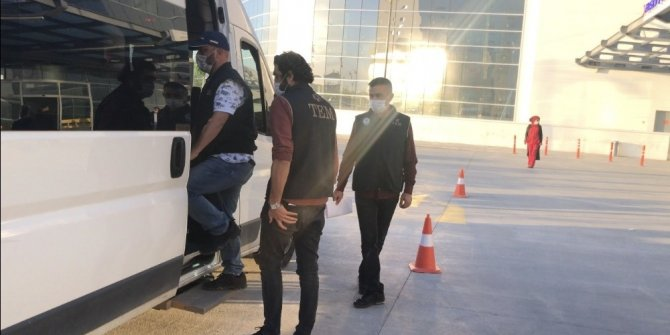 Konya merkezli 4 ilde FETÖ operasyonu: 7 gözaltı