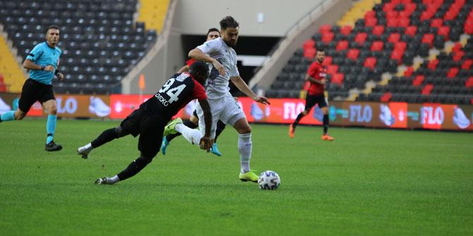 Gaziantep FK: 0 - İ.H. Konyaspor: 0 | İlk yarı sonucu
