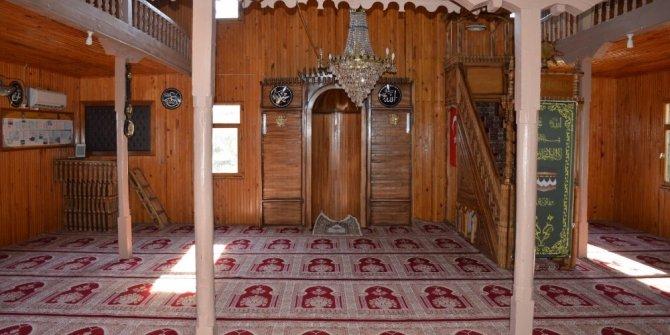Tarihi ahşap camiye restorasyon