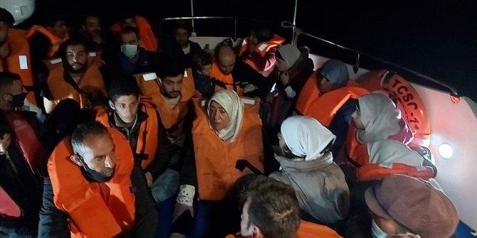 Türk kara sularına geri itilen 33 yabancı uyruklu kurtarıldı