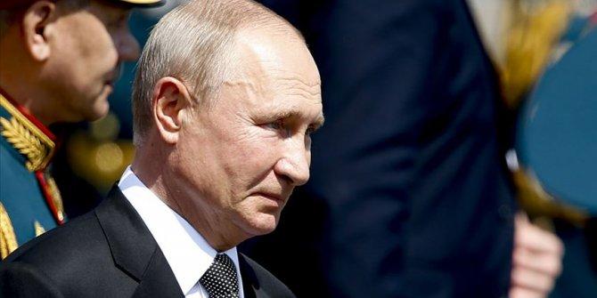 """Putin, """"bazı ülkelerde ifade özgürlüğü kisvesi altında provokasyon yapıldığını"""" söyledi"""