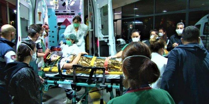 Enkazdan 9,5 saat sonra çıkartılan 14 yaşındaki Günay hastaneye sevk edildi