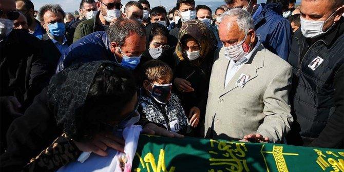Depremden 91 saat sonra kurtarılan Ayda'nın annesi son yolculuğuna uğurlandı