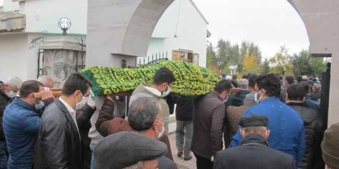 Afyonkarahisar'daki kazada yaşamını yitiren tır sürücüsünün cenazesi Konya'da toprağa verildi