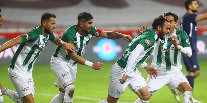 Konyaspor'un golleri Skubic ve Musa'dan