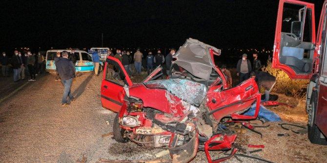Kazada 2 kişinin öldüğü otomobilden bira kutuları çıktı