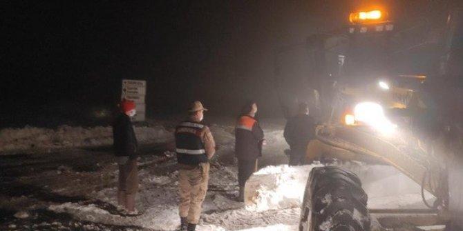Yaylada mahsur kalan vatandaşlar ve hayvanlar kurtarıldı