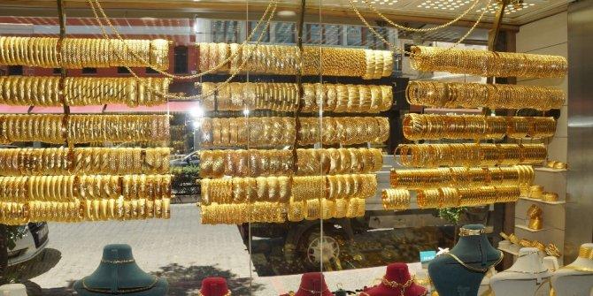 Gram altın 469 lira seviyelerinde