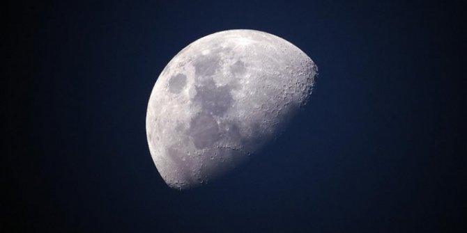 NASA Ay toprağı için 1 dolar ödeyecek