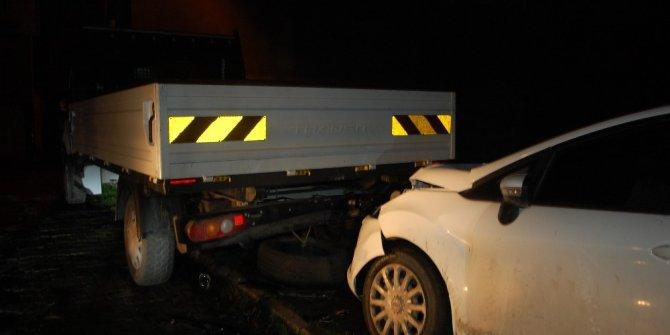 Para nakil aracı kamyonete çarptı: 1 ölü