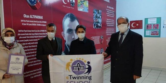 """Seydişehir'de iki okula """"kalite etiketi"""" verildi"""